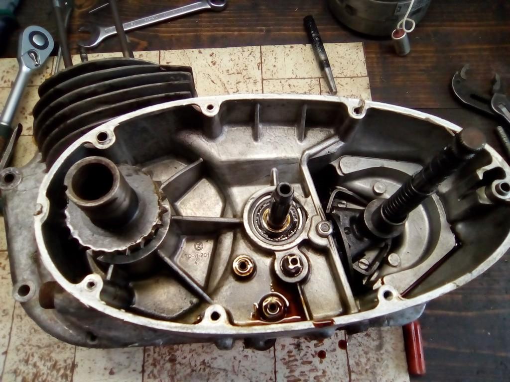 rozebírání motoru čz 502